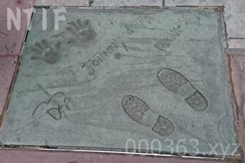 ジョニーデップ手形サイン