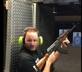 射撃場 拳銃体験