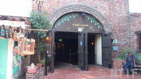 オルベラ街ストリートのレストラン