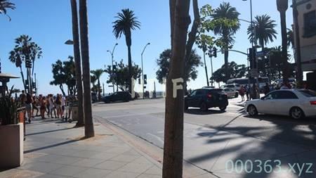 サンタモニカビーチへ行く道